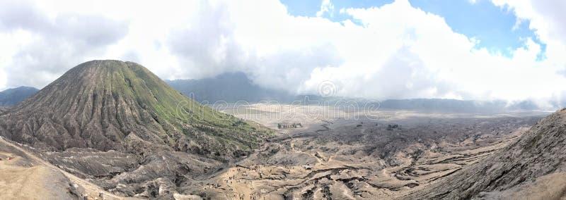 Visão clara da parte superior de Mt Bromo imagens de stock royalty free