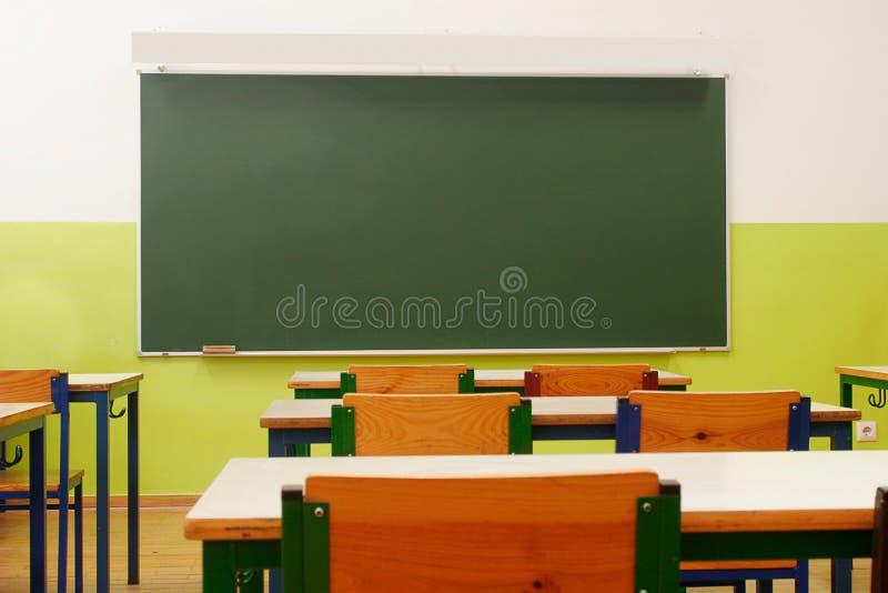 Visão da sala de aula vazia imagem de stock