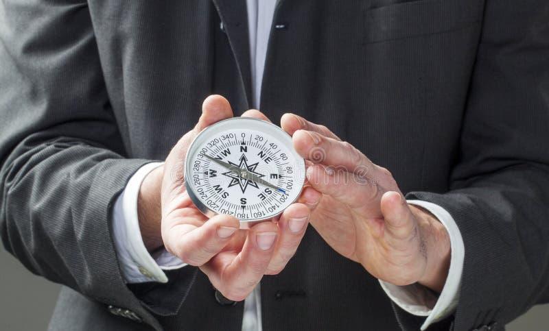 Visão e perspectiva do negócio nas mãos foto de stock