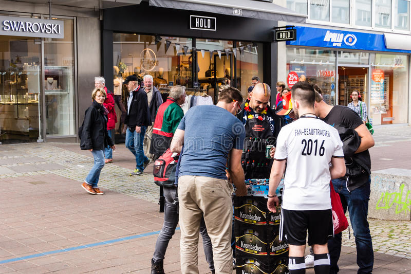 Visão pública do futebol durante Kiel Week 2016, Kiel, Alemanha foto de stock