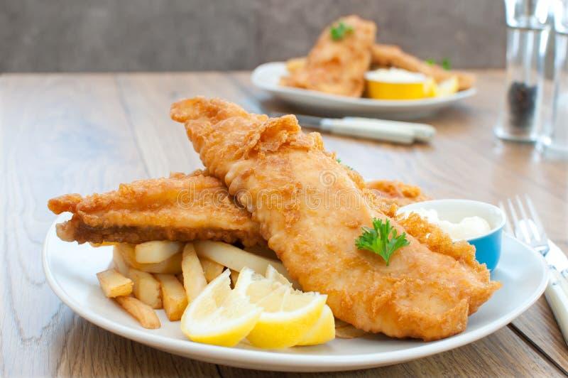 Vis met patat royalty-vrije stock afbeeldingen
