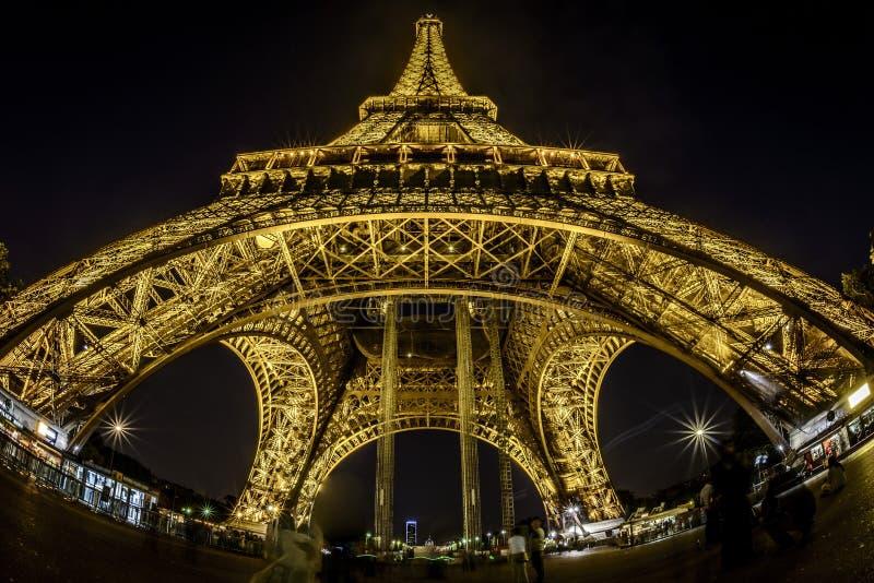Vis-oog mening van de Toren van Eiffel stock afbeelding