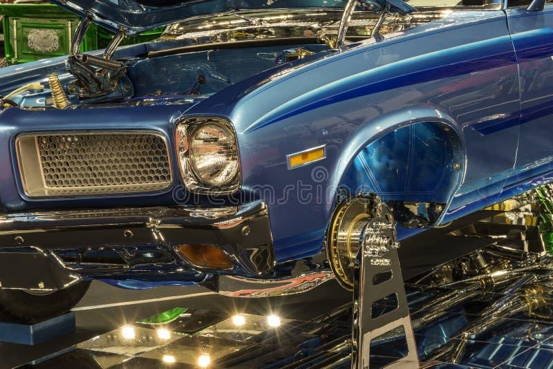 Visa bilen det främre slutet royaltyfri fotografi