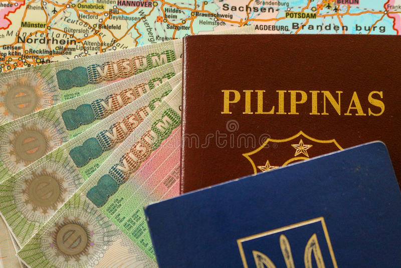 VISA de Schengen con el pasaporte de philippine/de Ucrania fotografía de archivo libre de regalías