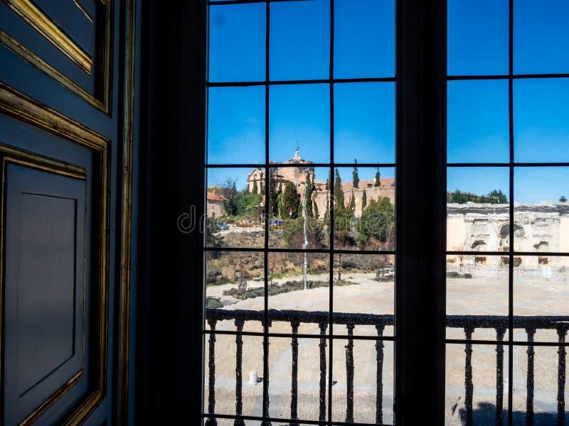 Visa från ett fönster arkivbilder
