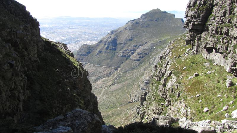 Visa från Platteklip Gorge, Table Mountain, Kapstaden, Sydafrika royaltyfri bild