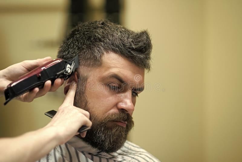 Visage beau d'homme Coiffeur et coiffeur, avenir images stock