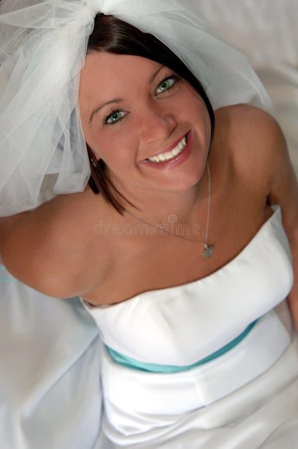 Visage d'une jeune mariée heureuse photos libres de droits
