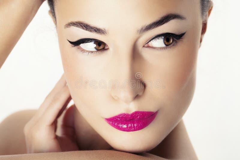 Visage de femme avec le maquillage de beauté images libres de droits