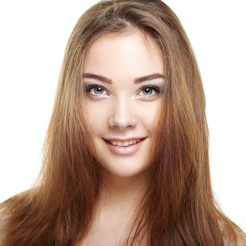 Visage de femme de beauté Sourire de jeune fille image stock