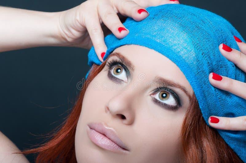 Visage de jeune femme avec le maquillage de gorgeus photos libres de droits