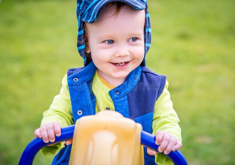 Visage de sourire heureux de petit garçon images libres de droits