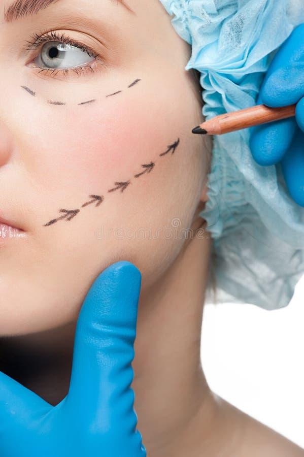 Visage femelle avant exécution de chirurgie plastique photos libres de droits