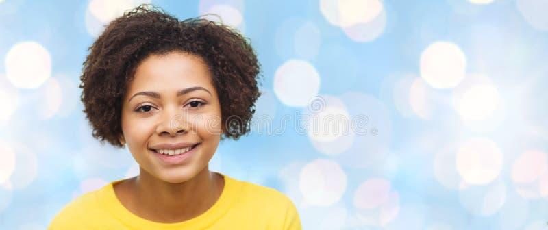 Visage heureux de jeune femme d'afro-américain image libre de droits