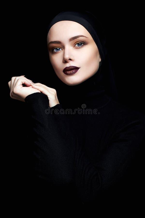 visage musulman assez jeune de femme photographie stock libre de droits