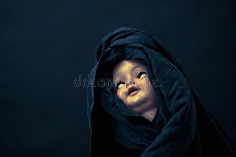 Visage rampant de poupée photo libre de droits