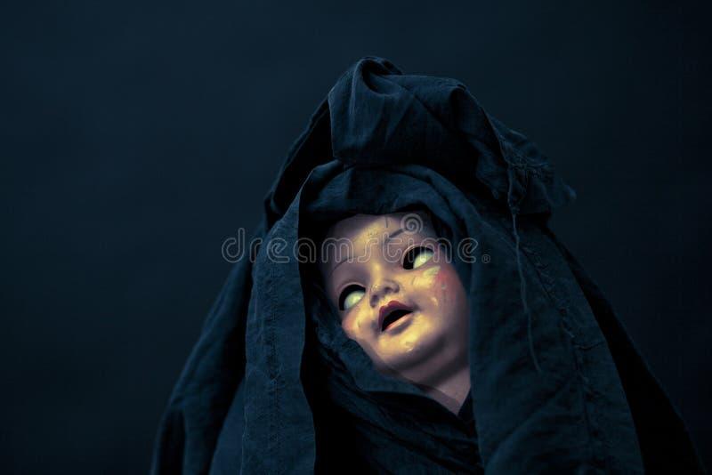Visage rampant de poupée photographie stock libre de droits