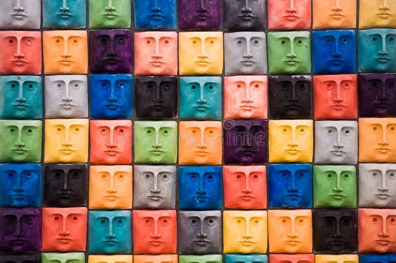 Visages, sculpture à Aveiro, Portugal photo libre de droits