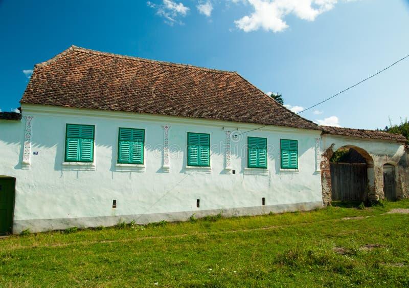 Viscri村庄和Viscri,特兰西瓦尼亚, Rom被加强的教会  库存照片