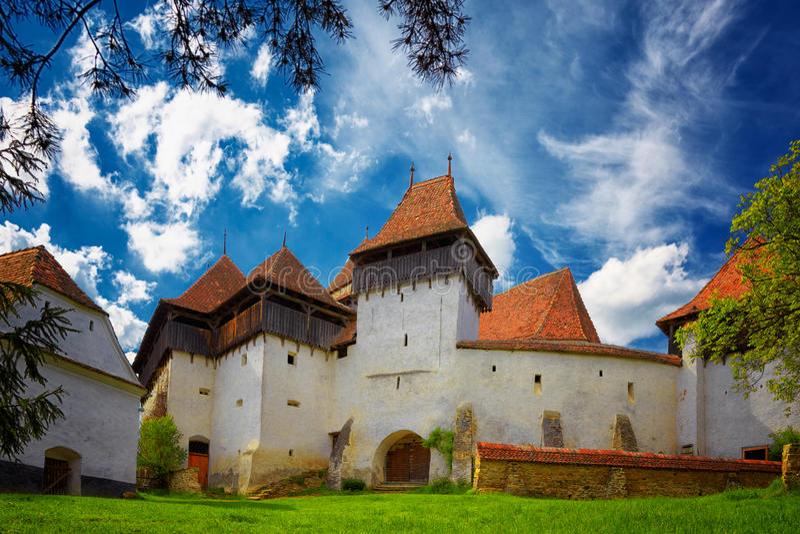 Viscri筑了堡垒于教会 库存照片
