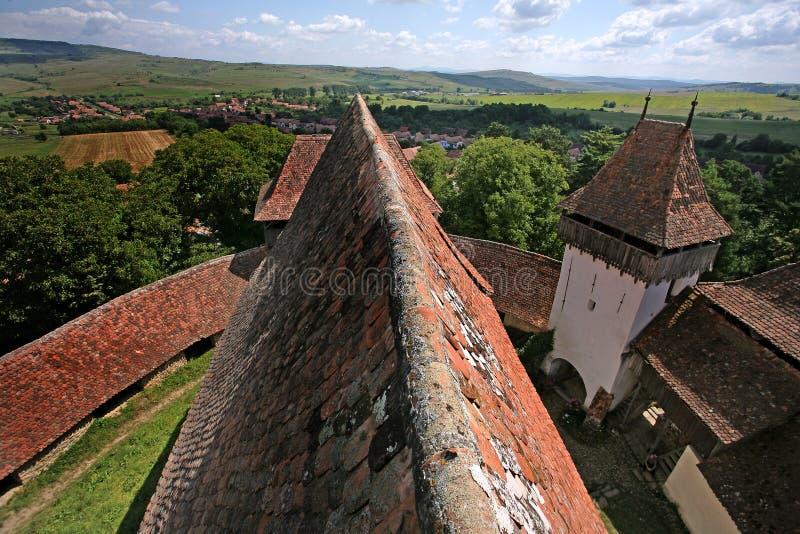 """Viscri, †a """"Transilvânia do condado de Brasov Vista panorâmica da parte superior do telhado imagem de stock"""