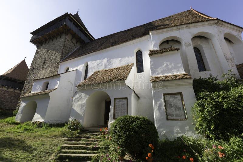 Viscri fortificou a igreja, uma vista de dentro dos telhados imagens de stock royalty free