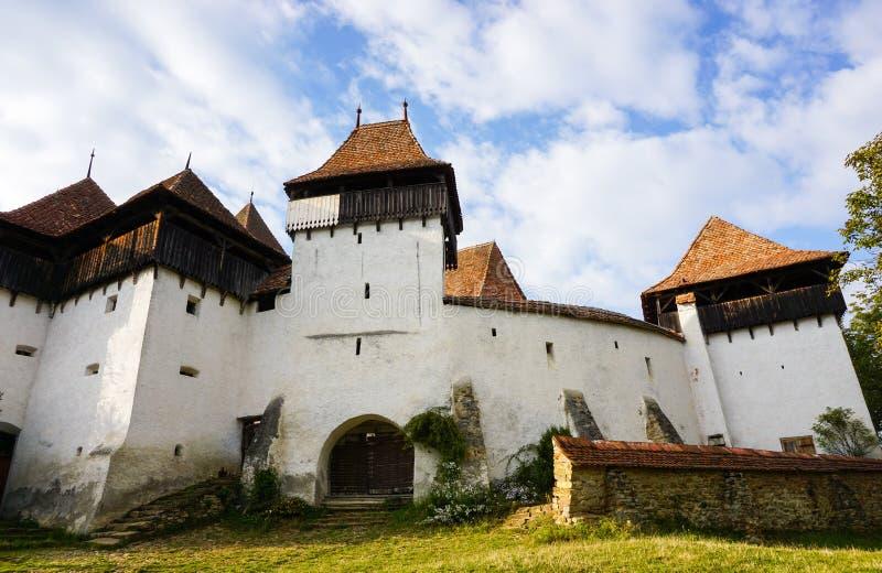Viscri ha fortificato la chiesa medievale fotografie stock