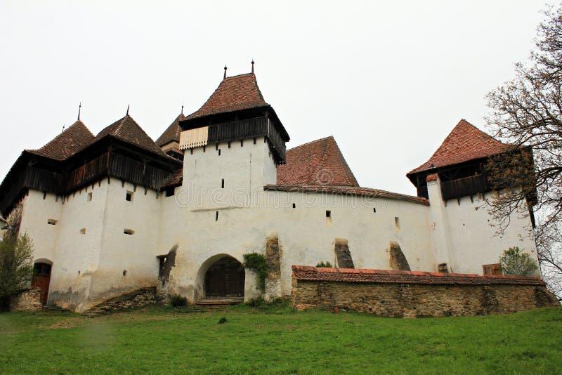 Viscri stärkte kyrkan - Transylvania, Rumänien arkivfoton