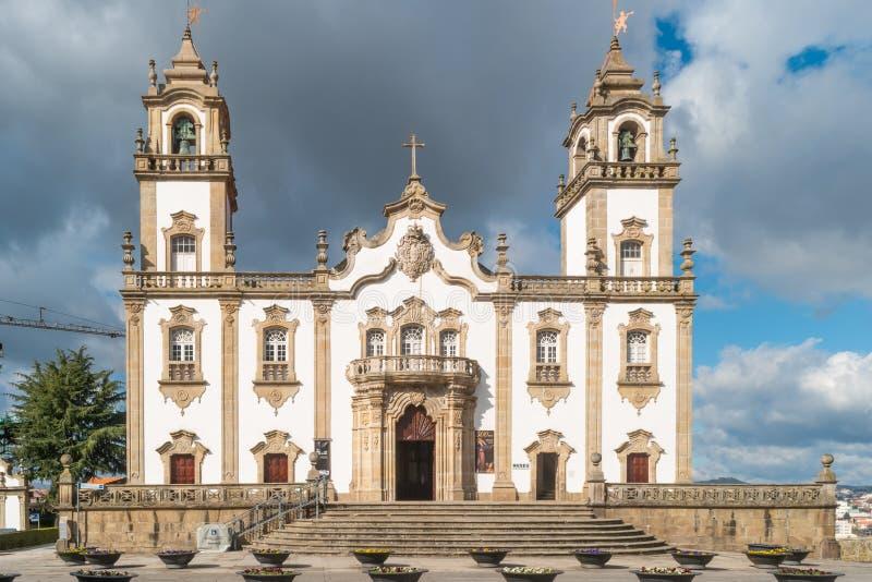 VISEU, PORTUGAL - CERCA DO FEVEREIRO DE 2019: Vista na fachada dianteira na igreja da mercê, Igreja a Dinamarca Misericordia, est fotos de stock