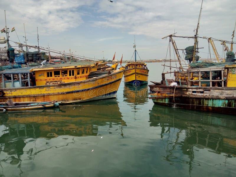 Vishakapatnam-Hafen lizenzfreie stockfotos