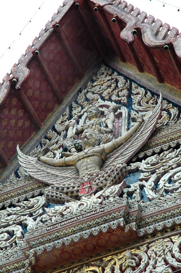 Vishnu Mounting Garuda Tympanum di vecchia cappella immagini stock libere da diritti