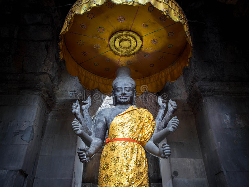 Vishnu statua przy Angkor Wat, Kambodża zdjęcie stock