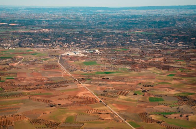 Visión aérea - camino y campos foto de archivo
