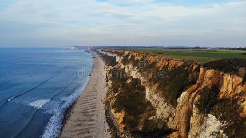 Visión aérea, costa y playa, Francia de Normandía imagenes de archivo