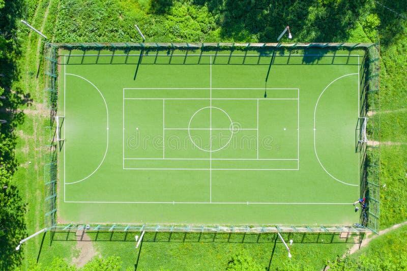 Visión aérea desde el abejón del campo de fútbol fotografía de archivo libre de regalías