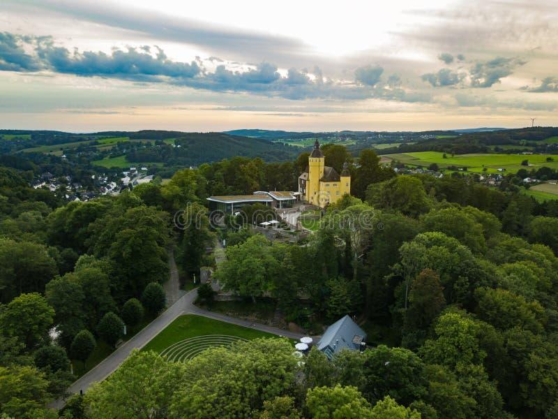 Visión aérea desde el Homburg del castillo en Nuembrecht imagenes de archivo
