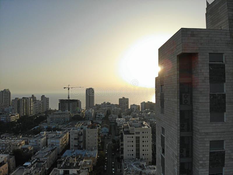 Visión aérea en Israel Tel Aviv, área de Bat Yam Creado por el abejón desde punto de vista que sorprende Diverso ángulo para sus  fotografía de archivo libre de regalías