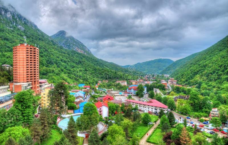 Visión aérea, pueblo de Herculane, Rumania imágenes de archivo libres de regalías