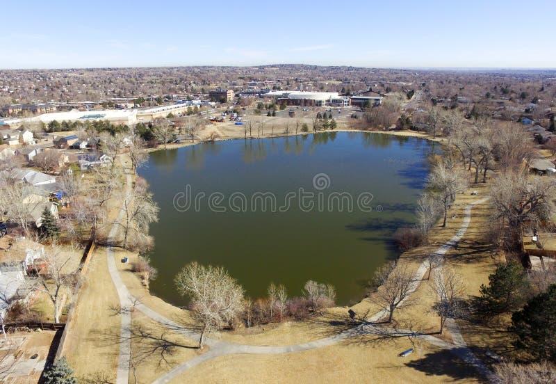 Visión aérea sobre el lago en Denver Colorado foto de archivo libre de regalías