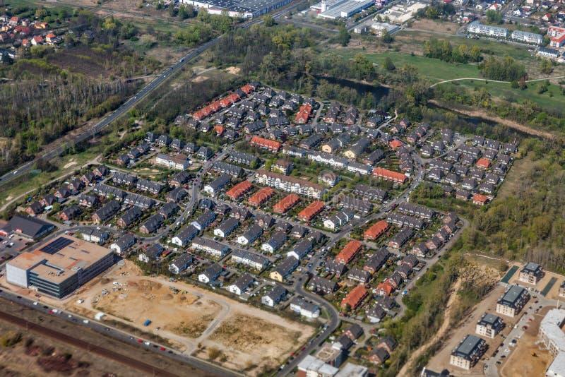 Visión aérea sobre el suburbio de Berlín, Alemania foto de archivo libre de regalías