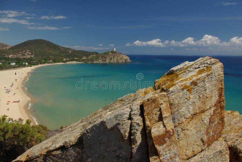 Visión asombrosa - playa de Chia - Cerdeña foto de archivo