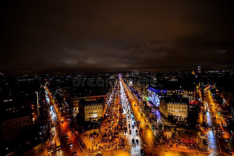 visión desde Arco del Triunfo en la noche, imagen de la foto una vista panorámica hermosa de la ciudad del metropolitano de París fotografía de archivo