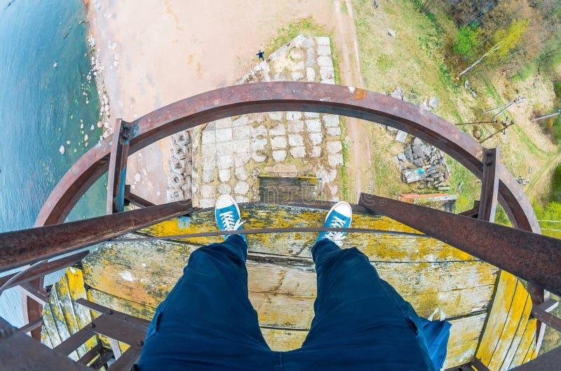 Visión desde arriba de la torre del pie, altura en la costa de la bahía imagen de archivo libre de regalías