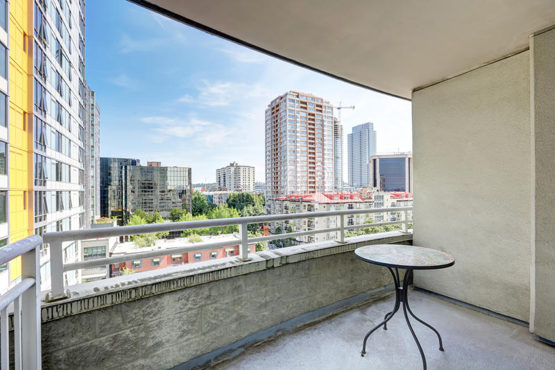 Visión desde el balcón Construcción de viviendas en Seattle fotografía de archivo