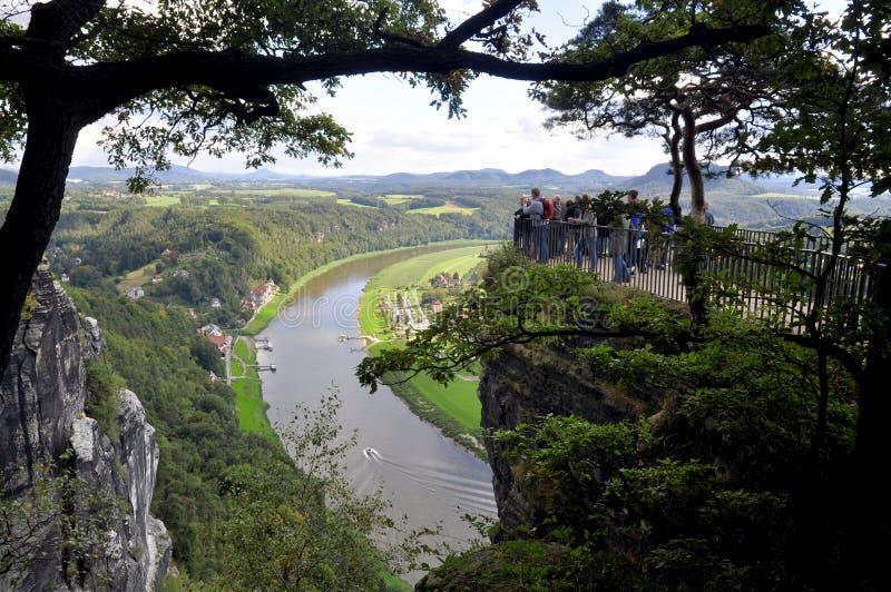 Visión desde el Bastei en el río Elba imagenes de archivo