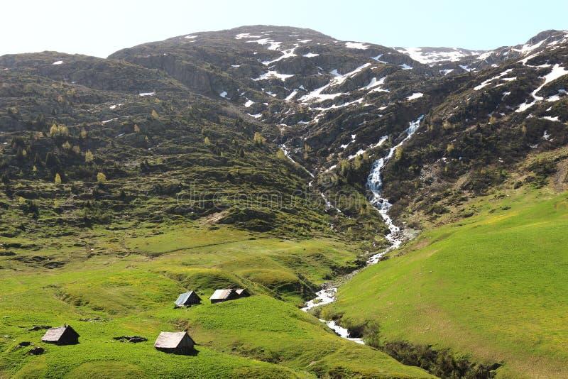 Visión desde el D926 en el Isere, Rhone-Alpes francés fotografía de archivo libre de regalías