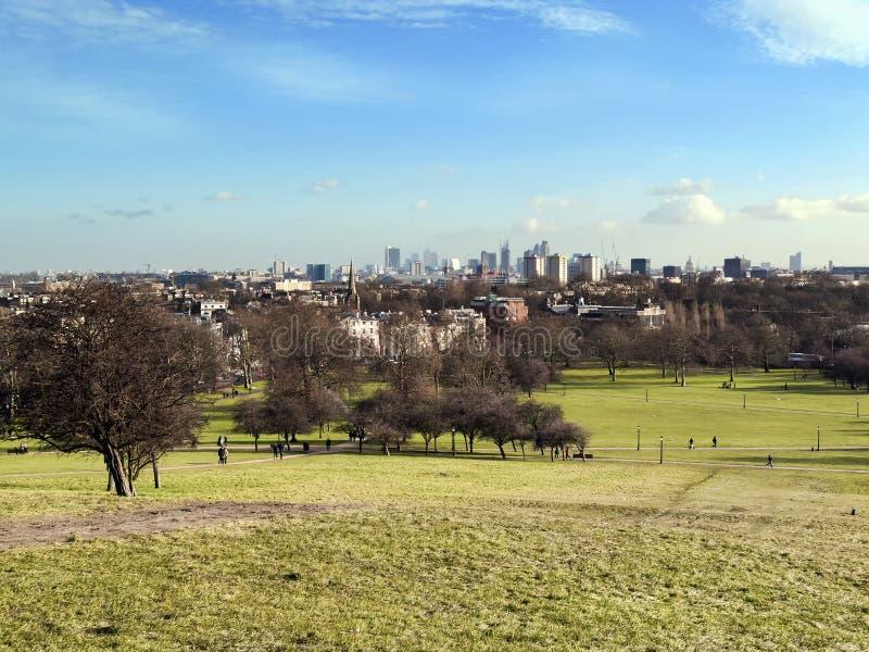 Visión desde el parque de los regentes de la colina de la primavera imagenes de archivo