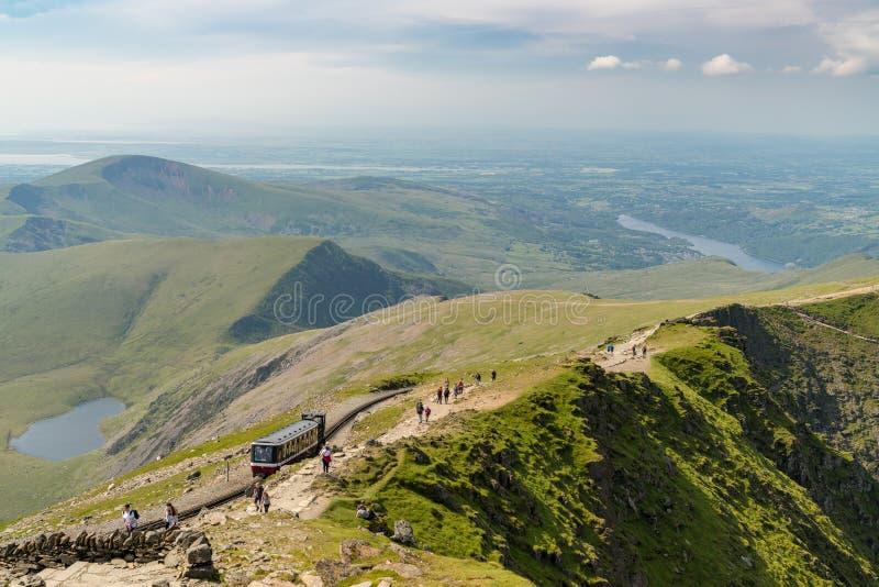 Visión desde el soporte Snowdon, Gwynedd, País de Gales, Reino Unido imagen de archivo libre de regalías