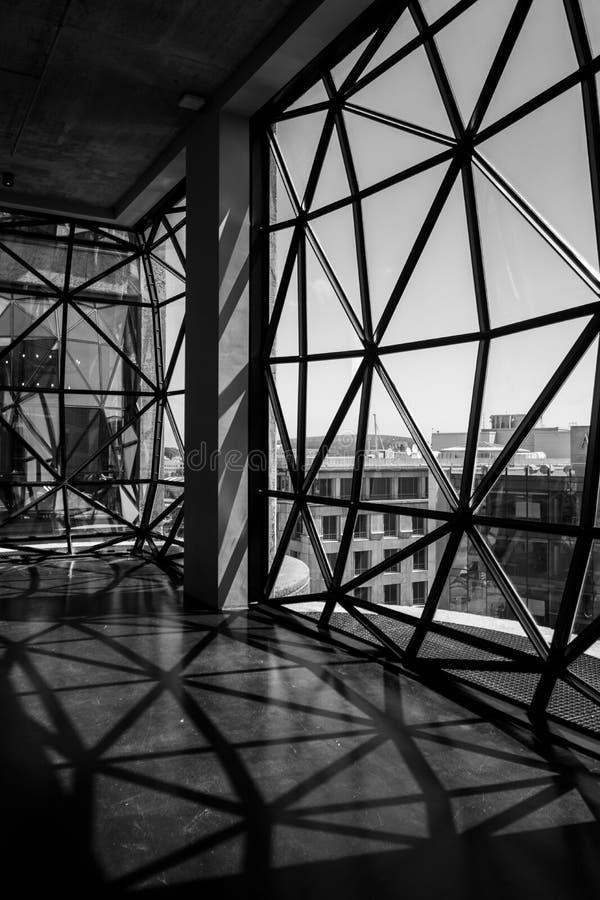 Visión desde el tejado del museo de Zeitz Mocaa de Art Africa contemporáneo, en la costa de V&A, Cape Town, Suráfrica imagen de archivo libre de regalías