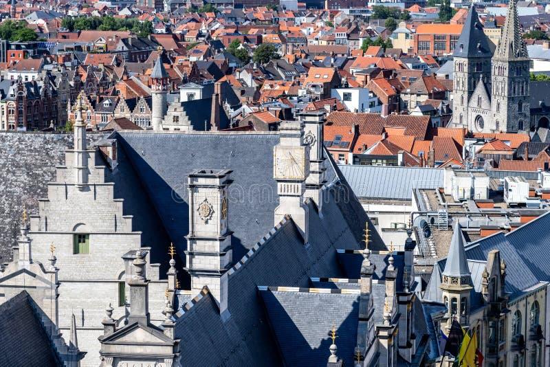 Visión desde el top del Belfied en la ciudad antigua del señor, Belgiu fotografía de archivo